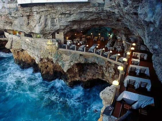 Grotta Palazzese 2.jpg