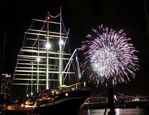 Moshulu fireworks.jpg